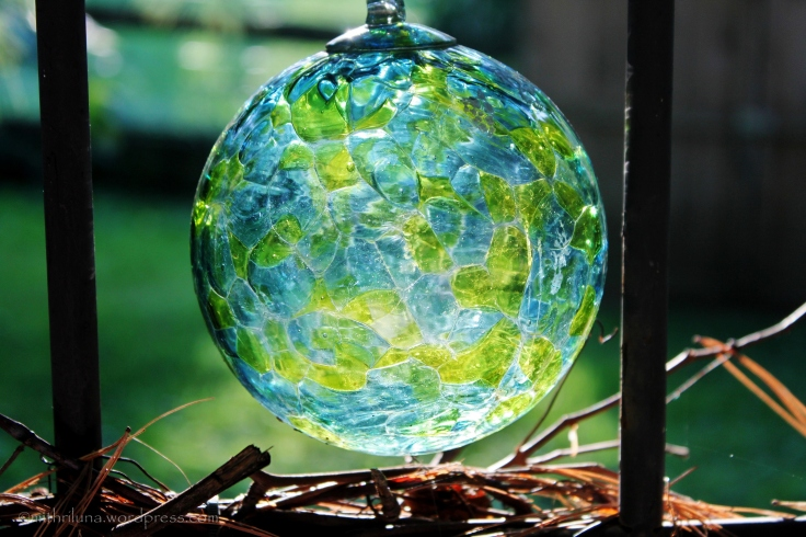 Golden hour Globe